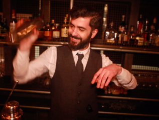 Whiskey Ginger: How To Please Your Bartender